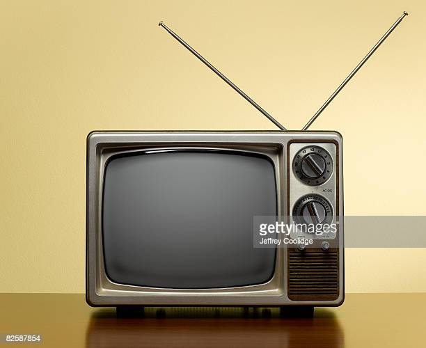 vintage tv with antenna - the past stock pictures, royalty-free photos & images