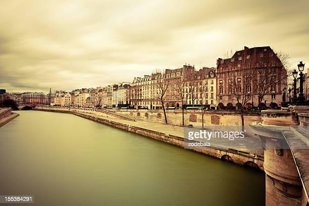 Vintage sur Paris depuis le Pont-Neuf, France