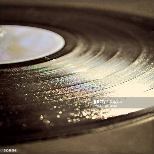 vinyl record - opslagmedia voor analoge audio stockfoto's en -beelden