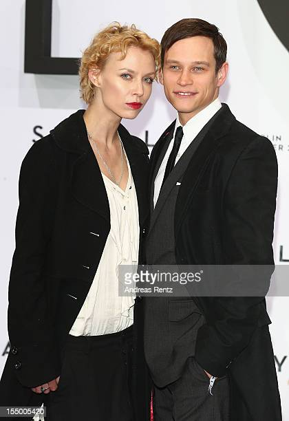 Vinzenz Kiefer and partner Masha Tokareva attend the 'Skyfall' Germany premiere at Theater am Potsdamer Platz on October 30, 2012 in Berlin, Germany.