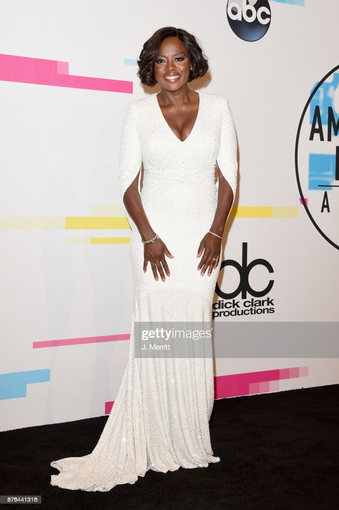 Viola Davis poses in the press room during 2017 American Music Awards at Microsoft Theater on November 19, 2017 in Los Angeles, California.