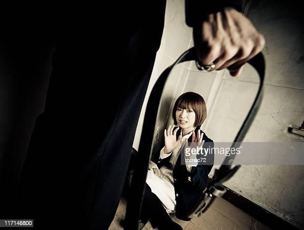 gewalt auf frau - female torture stock-fotos und bilder