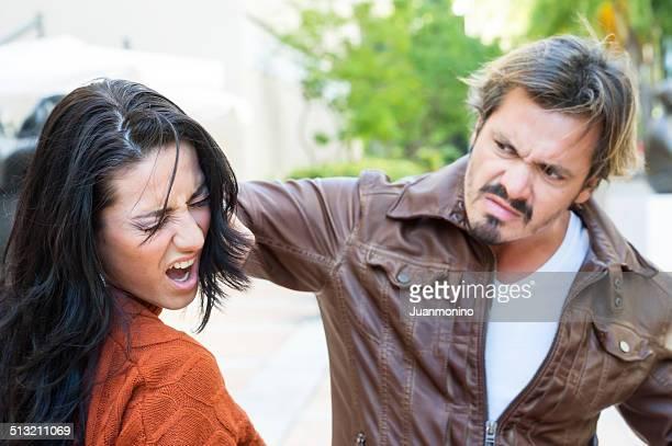 la violencia - mujer violada fotografías e imágenes de stock
