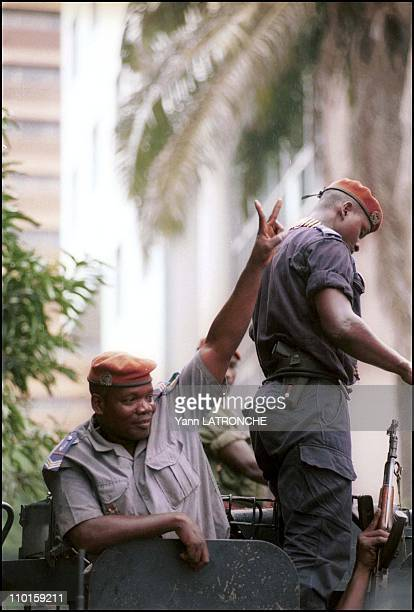 Violent clashes in Abidjan Cote d'Ivoire on October 25 2000 Plateau neighborhood In front of the national radio policeman join the IPF