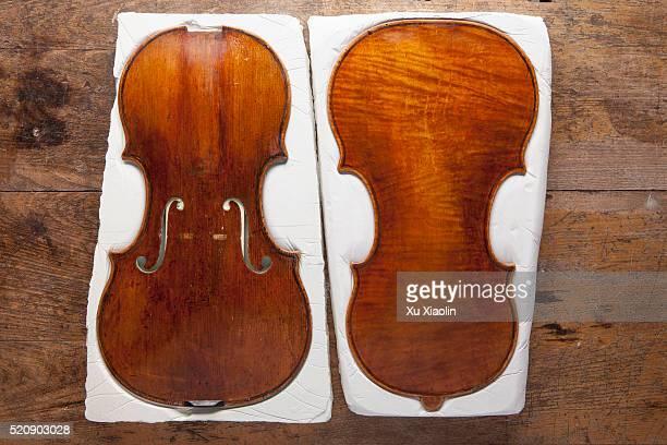 violin restoration - cremona foto e immagini stock