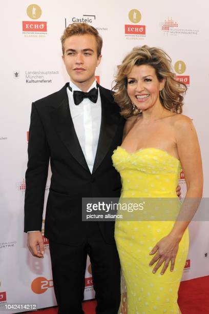 Violinist AnneSophie Mutter and her son Richard arrive to the 'Echo Klassik' awards in MunichGermany 26 October 2014 Photo URSULADUEREN/dpa | usage...