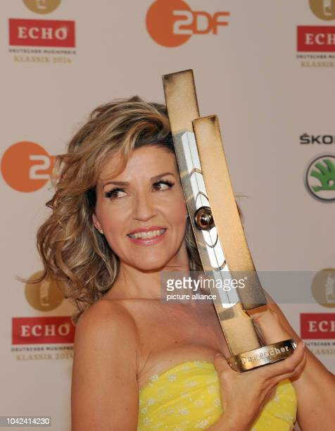 Violinist AnneSophie Mutter posing with her 'Concert Recording of the Year ' award for Dvorak at the 'Echo Klassik' music award ceremony at the...