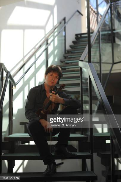 Violinist Joshua Bell poses at a portrait session for The Los Angeles Times in New York NY on July 10 2010 PUBLISHED