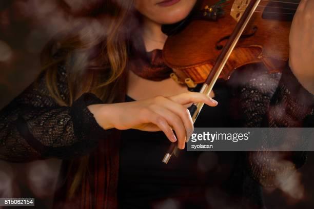 de violist hand - syolacan stockfoto's en -beelden