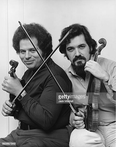 Violinists Itzhak Perlman and Pincas Zukerman 1978 Photo by Jack Mitchell/Getty Images