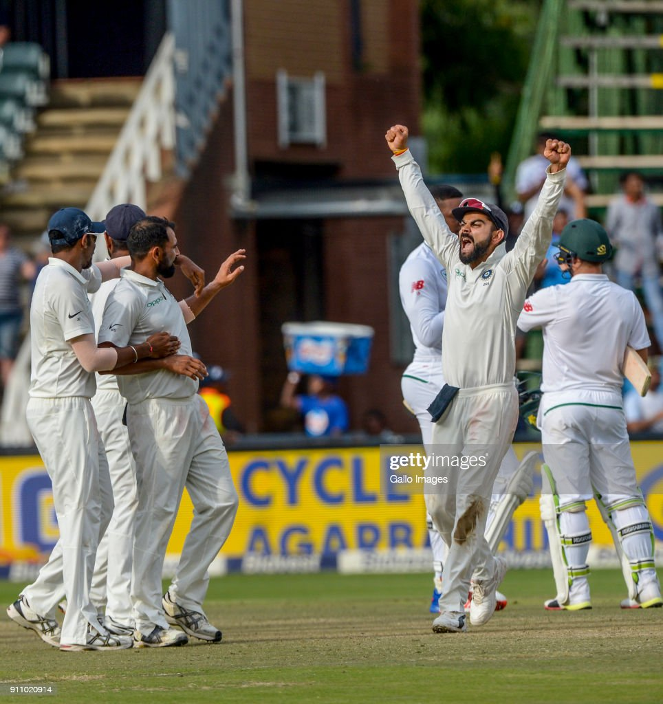 Virat Kohli and his team celebrate the win over South Africa in the final test during day 4 of the 3rd Sunfoil Test match between South Africa and India at Bidvest Wanderers Stadium on January 27, 2018 in Johannesburg, South Africa.