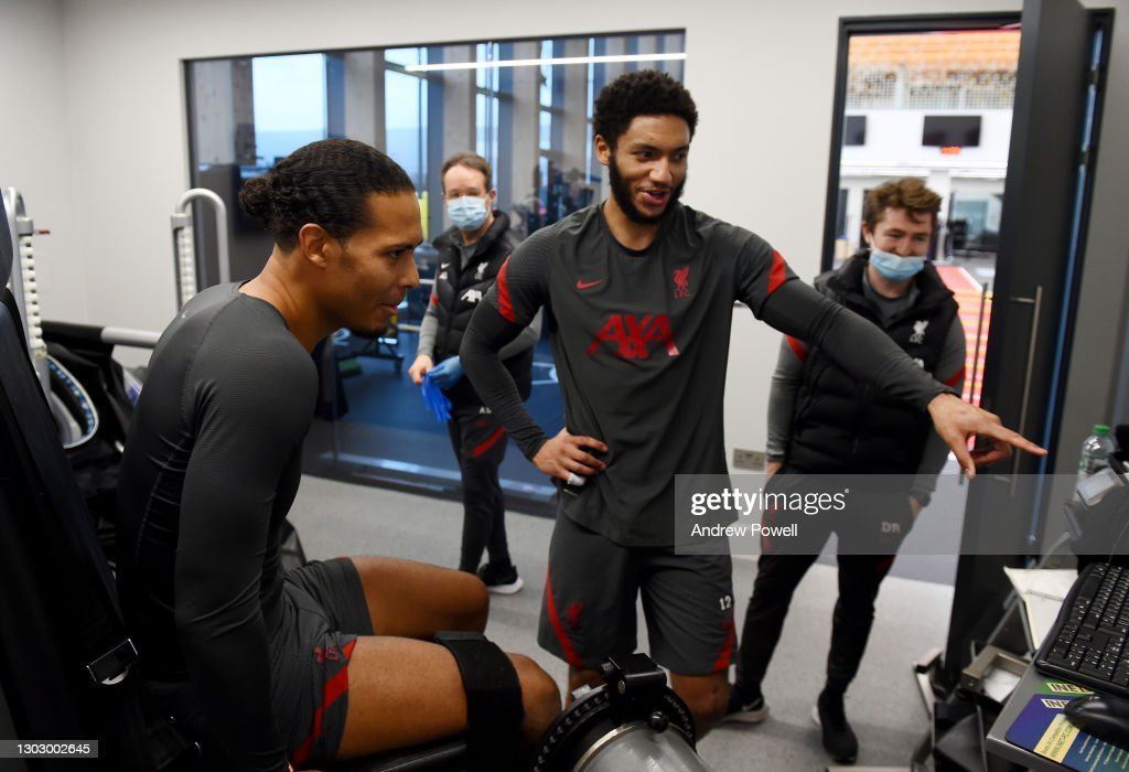 Virgil van Dijk and Joe Gomez Continues    Rehabilitation at Liverpool : ニュース写真
