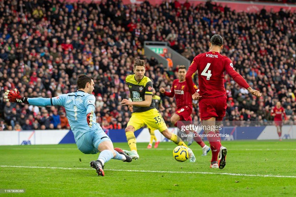 Liverpool FC v Southampton FC - Premier League : News Photo
