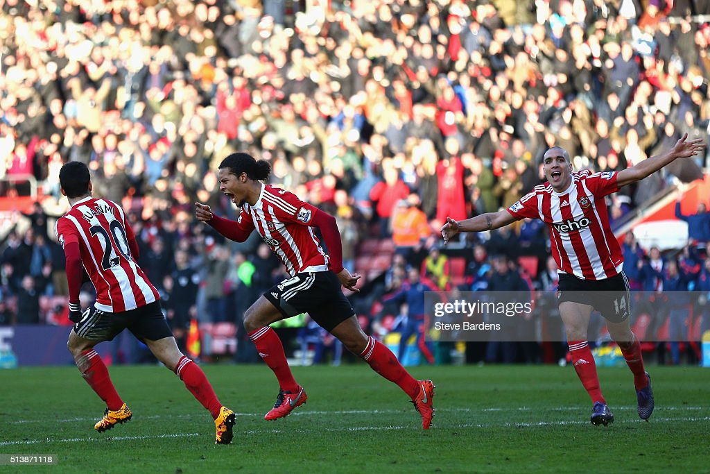 Virgil van Dijk (C) of Southampton celebrates scoring his team's first goal during the Barclays Premier League match between Southampton and Sunderland at St Mary's Stadium on March 5, 2016 in Southampton, England.