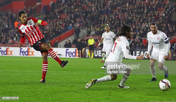 Virgil van Dijk of Southampton scores their first goal and equalising goal during the UEFA Europa League Group K match between Southampton FC and...