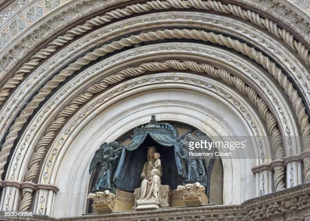 Virgin Mary sculpture, facade of Orvieto Cathedral.
