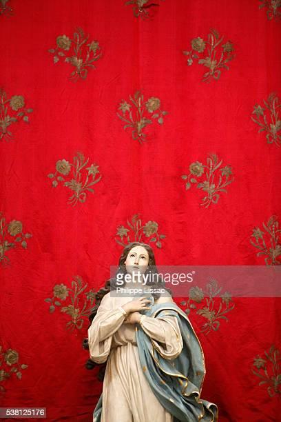 Virgin statue in a Spaccanapoli church, Naples