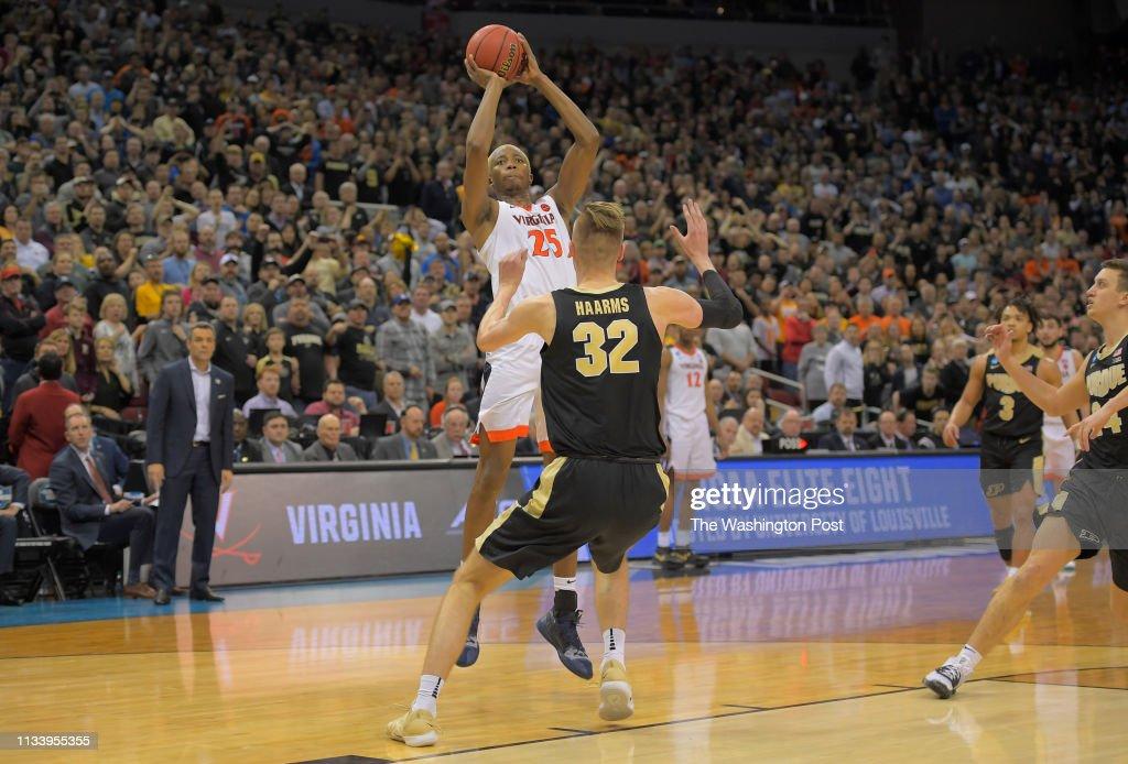 Virginia Cavaliers v Purdue : News Photo