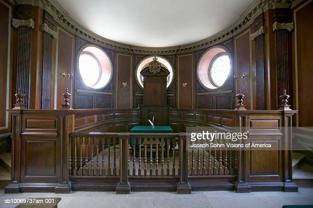 USA, Virginia, Colonial Williamsburg, historic court room in Capitol Building
