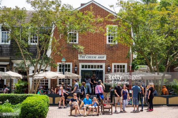 Virginia Colonial Williamsburg The Cheese Shop crowds outside