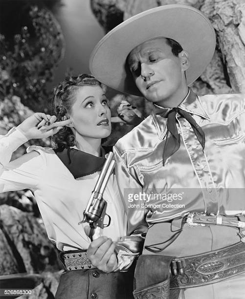 Virginia Dale and Jack Benny in the 1940 western comedy Buck Benny Rides Again