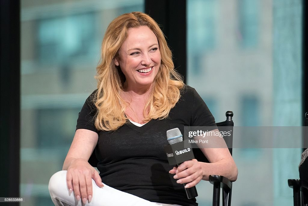 "AOL Build Speaker Series - Elaine Madsen And Virginia Madsen, ""I Know A Woman Like That"" : News Photo"