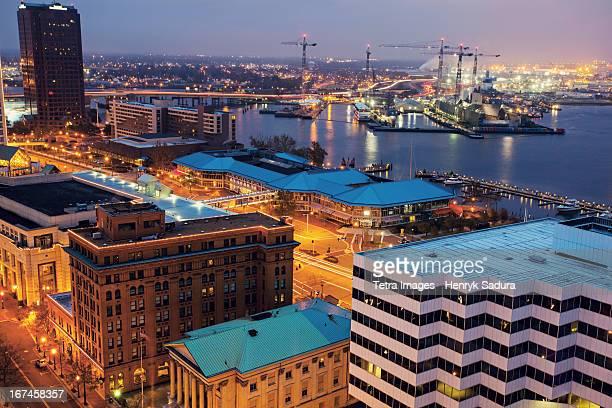 usa, virginia, norfolk, cityscape with cranes at night - chesapeake bay stock pictures, royalty-free photos & images