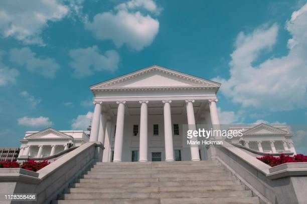 virginia state capitol building in richmond, virginia, designed by thomas jefferson. - democratic party usa stock pictures, royalty-free photos & images