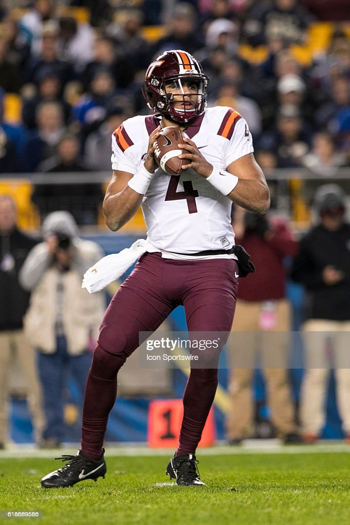 NCAA FOOTBALL: OCT 27 Virginia Tech at Pitt : News Photo