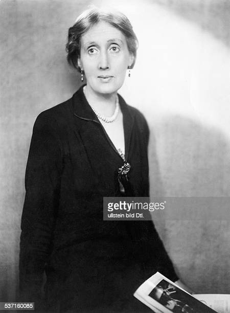 Virginia Woolf Virginia Woolf Writer Great Britain portrait 1932