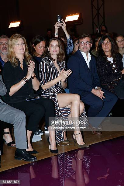 Virginie Mouzat Laetitia Casta Manuel Puig and Emmanuelle Alt attend the Nina Ricci show as part of the Paris Fashion Week Womenswear Spring/Summer...