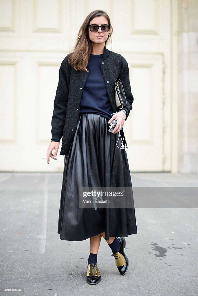 Street Style - Paris Fashion Week, Womenswear S/S 2015 : September 24th : News Photo