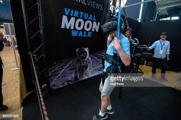 A virtual experience during « Futur en Seine » an international festival dedicated to digital innovations in the « La Villette » big hall in Paris on...