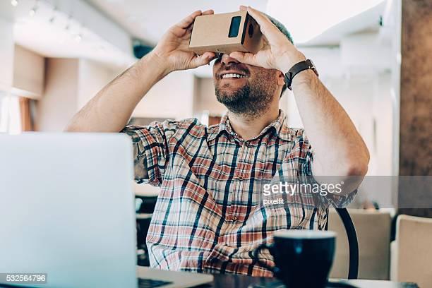 La realidad Virtual en la tienda de café