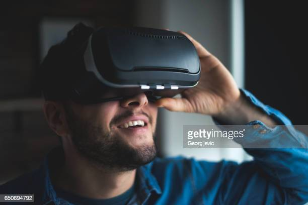 virtual reality is fun - headwear stock pictures, royalty-free photos & images