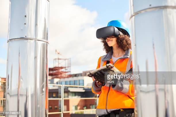 virtual visualisatie op het dak - drone stockfoto's en -beelden