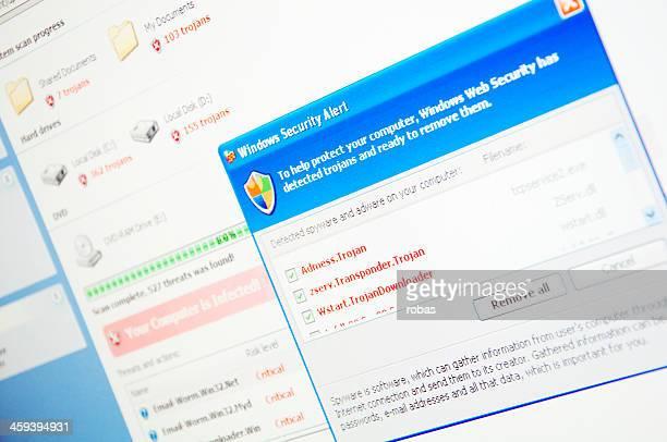 Virus Warnung auf computer-Bildschirm.