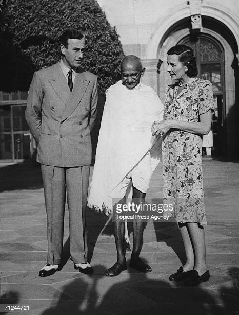Viscount Mountbatten the new Viceroy of India and his wife Edwina invite Mahatma Gandhi to the Viceroy's house in Delhi 31st March 1947