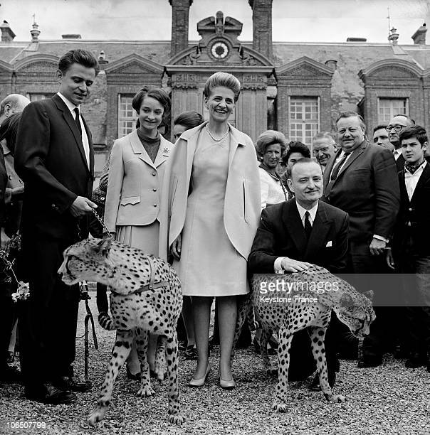 Viscount Paul Viscountess Annabelle And Their Parents Countess Colomba And Count Antoine De La Panouse In Front Of Thoiry'S Castle Yvelines Department