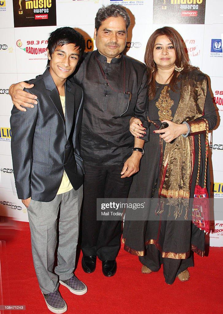Vishal Bhardwaj with wife Rekha Bhardwaj at Radio Mirchi Music Awards at BKC in Mumbai on January 27 2011