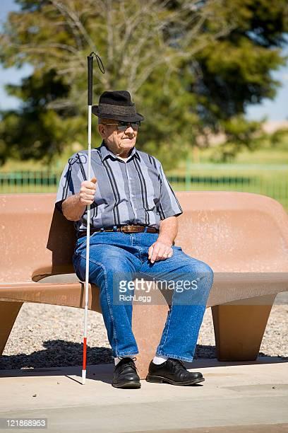 Sehbehinderte Senior Mann