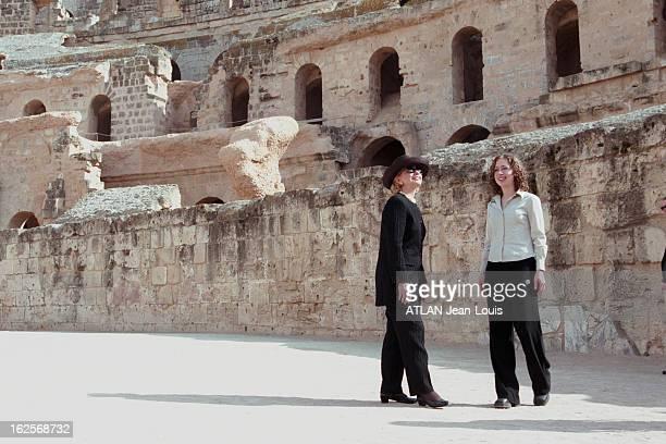 Visit Of Hillary Clinton And Chelsea In Tunisia 27 mars 1999 Hillary CLINTON épouse du Président américain Bill CLINTON effectue une visite de trois...