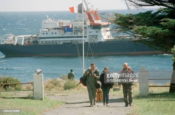 Visite des îles australes à bord du MarionDufresne navire français assurant notamment le ravitaillement des Terres australes et antarctiques...