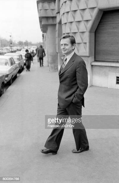 Visite d'Olof Palme politicien suédois le 2 novembre 1976 à Paris France