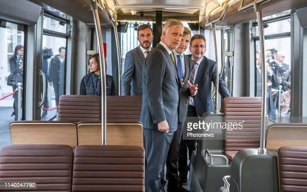 Visite du Roi Philippe à l'occasion des 150 ans du tram et découverte du futur tram bruxellois dévoilement de la maquette du tram bruxellois nouvelle...