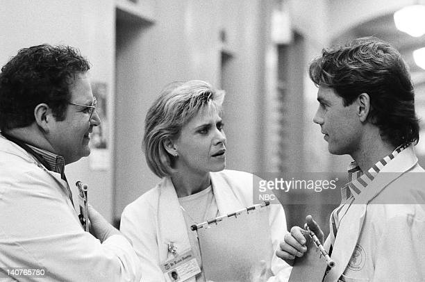 ST ELSEWHERE Visiting Daze Episode 14 Pictured Stephen Furst as Dr Elliot Axelrod Cindy Pickett as Dr Carol Novino Bruce Greenwood as Dr Seth Griffin...