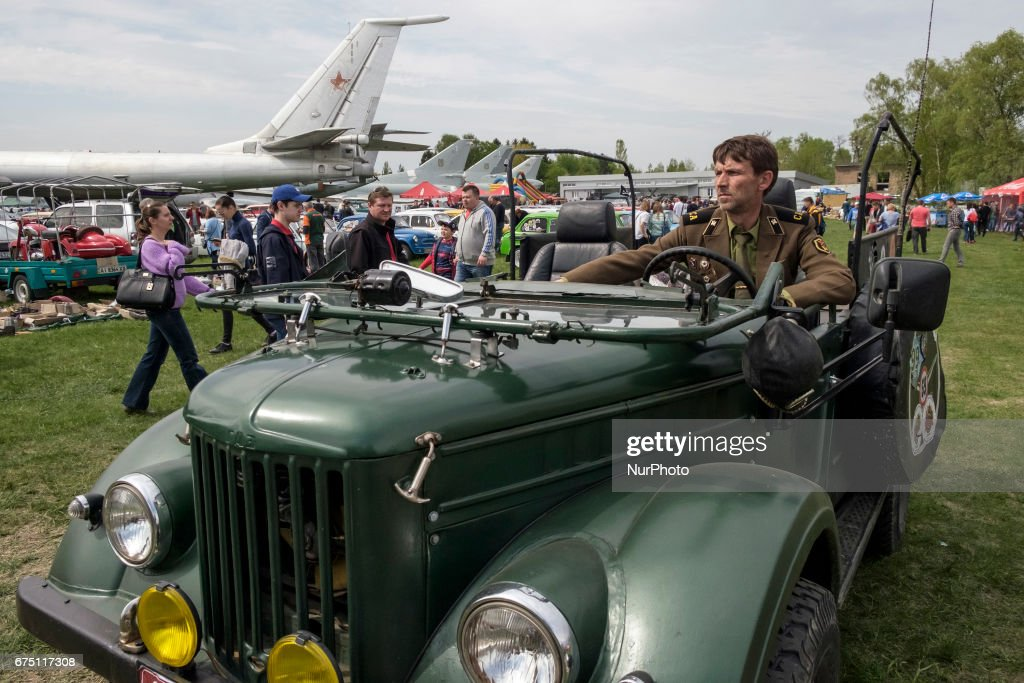 OldCarLand\' motor show in Kyiv Photos and Images | Getty Images