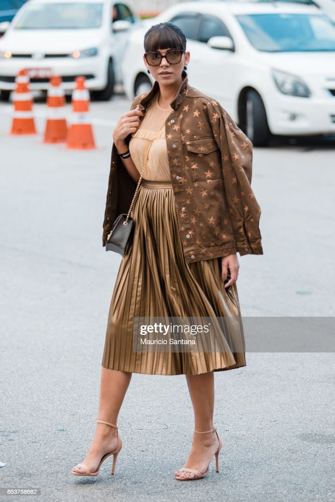 A visitor poses during Sao Paulo Fashion Week N43 SPFW Summer 2017 on March 15, 2017 in Sao Paulo, Brazil.