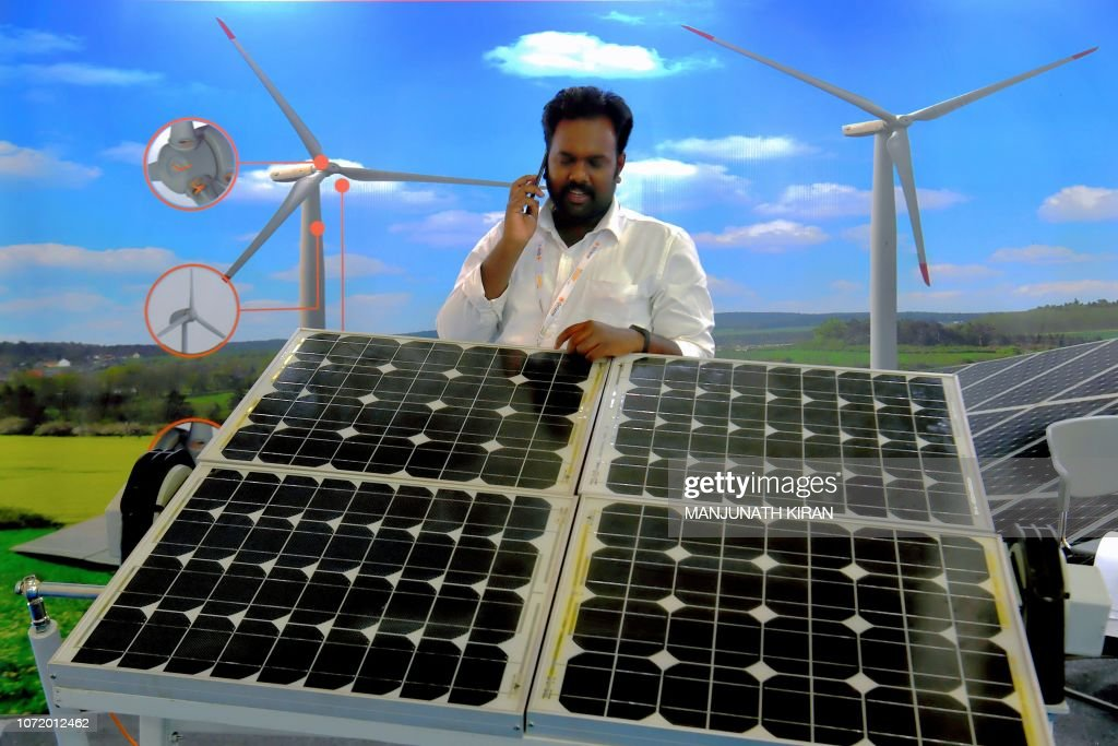 INDIA-ENVIRONMENT-RENEWABLE-ENERGY-SOLAR : News Photo