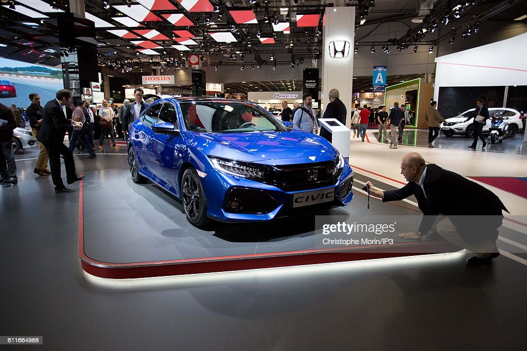 Press Preview Prior the 'Mondial De L'Automobile' - Paris Motorshow 2016 At Porte de Versailles : News Photo